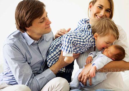Familienfotos-editorial-Magazin-Lifestyle-Babybilder-kommerziell-Fotograf