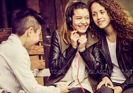 Youth-Fotografie-Lifestyle-Streetstyle-Teeny-Bilder-Kopfhoerer-musik-kampagne