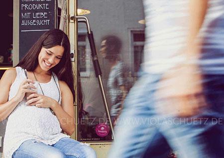 editorial-schwanger-lifestylefotograf-kommerzielle-Modefotografie-Kampagnenbilder-Muenchen