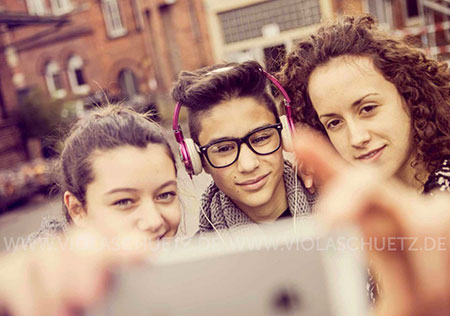 youth-Lifestyle-selfies-cell-phone-campaign-fotoshooting-Jugendliche-handy-kampagne