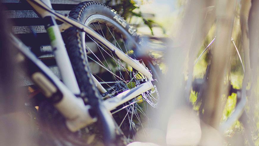 Treckingrad-Fahrrad-Bilder-Berge-Bayern-Oesterreich-Tourismus-Kampagne-Fotografie-Lifestyle-08