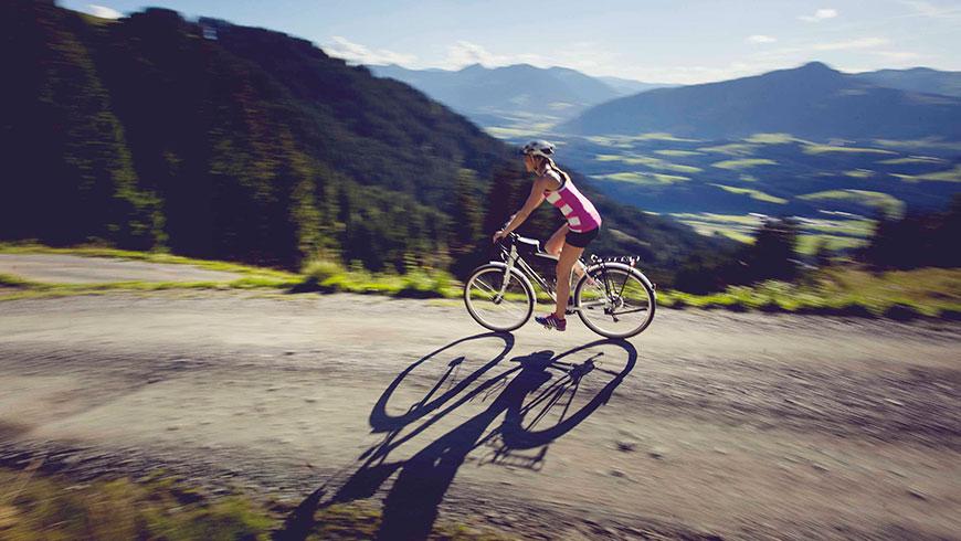 Treckingrad-Fahrrad-Bilder-Berge-Bayern-Oesterreich-Tourismus-Kampagne-Fotografie-Lifestyle-12