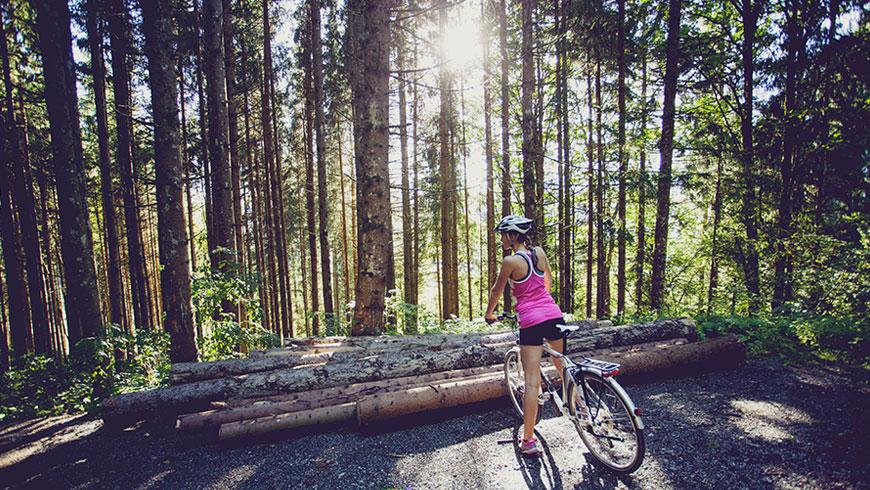 Treckingrad-Fahrrad-Bilder-Berge-Bayern-Oesterreich-Tourismus-Kampagne-Fotografie-Lifestyle-15